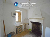 Town house with new roof for sale in the Abruzzo Region, Italy 2