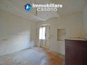 Town house with new roof for sale in the Abruzzo Region, Italy 7