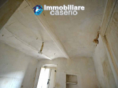 Town house with new roof for sale in the Abruzzo Region, Italy 8