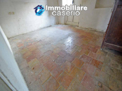 Town house with new roof for sale in the Abruzzo Region, Italy 9