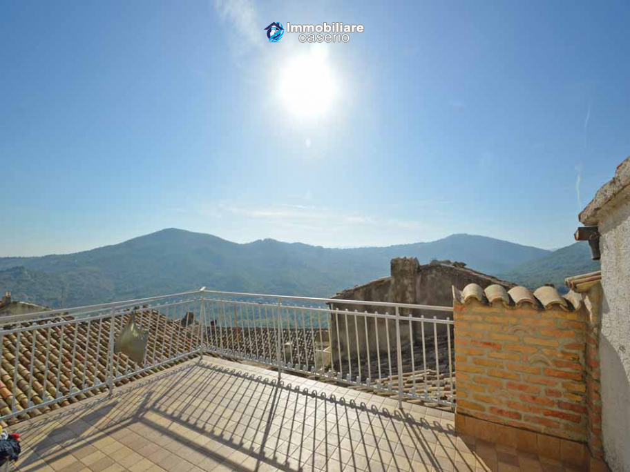 Town house for sale in San Buono, on the Abruzzo hills, 30 min from the beaches