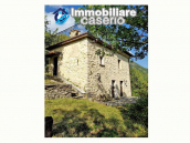 Finely farm house restored for sale in the Municipality of Pizzone, Molise Region 3