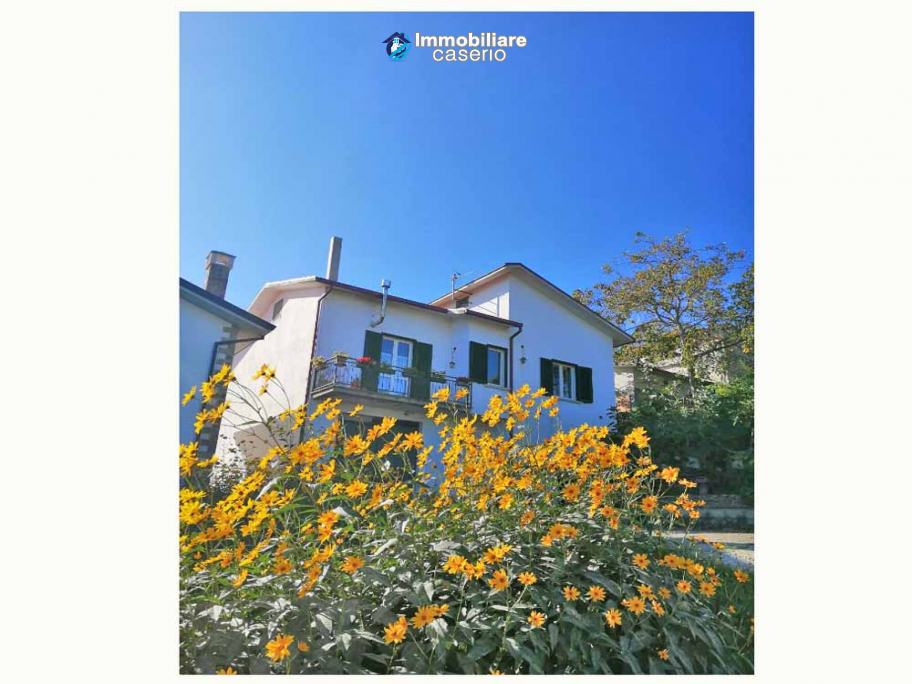 Spacious habitable house with garden and fruit trees for sale in the Molise Region