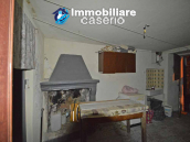 Town house with garden for sale in the Abruzzo Region, Casalanguida 18