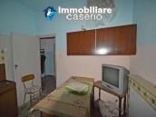 Town house with garden for sale in the Abruzzo Region, Casalanguida 5
