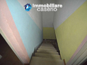 Town house with garden for sale in the Abruzzo Region, Casalanguida 8