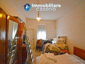 Detached country house with terrace, barn and land for sale in the Abruzzo region 16