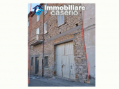 Spacious house with garage for sale in the Molise Region, Italy 3