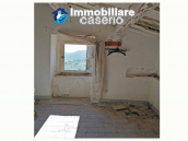 Ancient stone house for sale in the Abruzzo region 9
