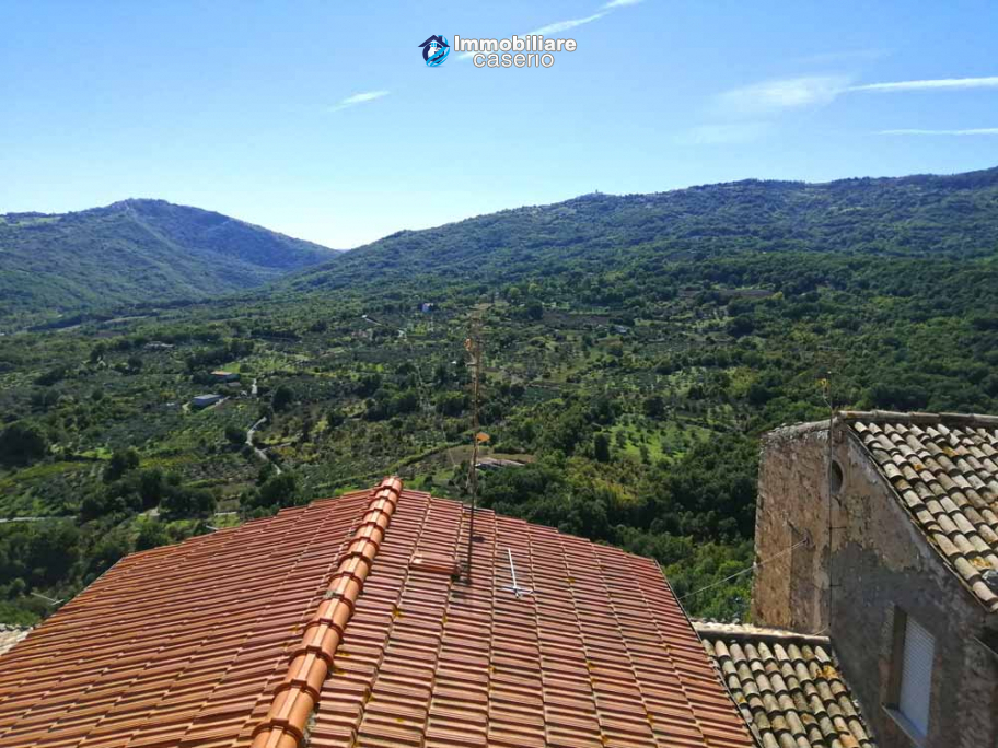 Ancient stone house for sale in the Abruzzo region