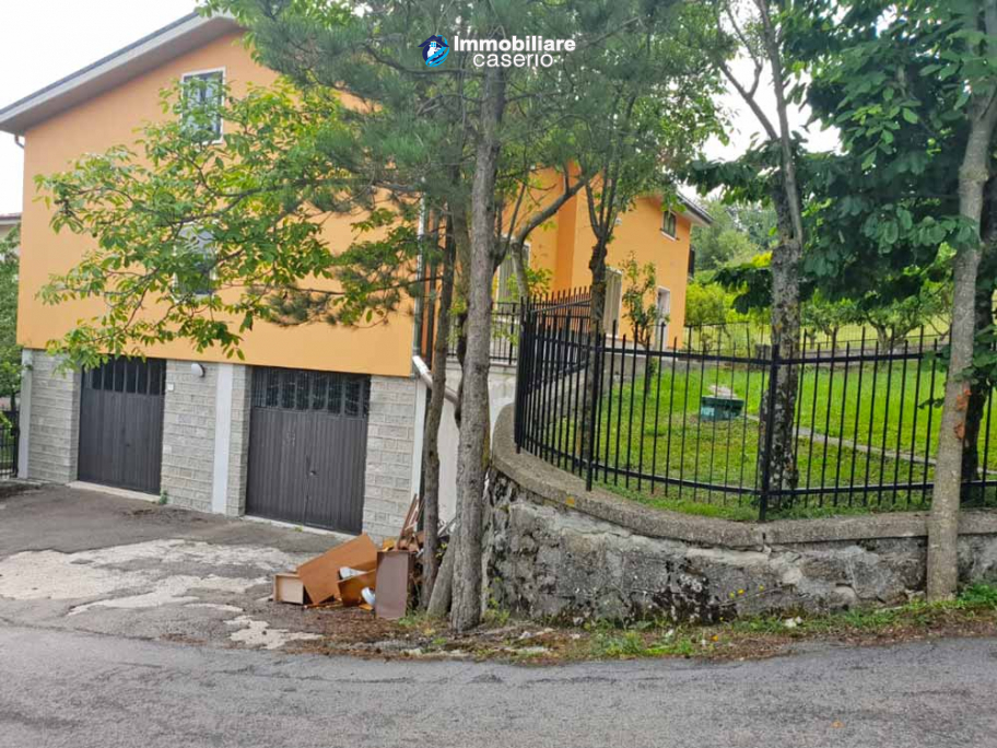 Completely independent house with garden and fenced for sale in the Abruzzo