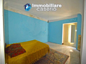Spacious village house with great potential for sale in Gissi, Abruzzo, Italy 14