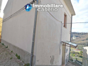Detached house habitable immediately with open space behind for sale in Abruzzo 2