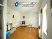 Detached house habitable immediately with open space behind for sale in Abruzzo 5