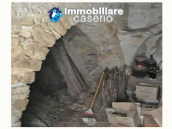 Village house with ancient stone cellar for sale in the Abruzzo region, Italy 8