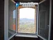House for sale with panoramic views, the Abruzzo hills 27 min from the sea 1