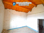 House for sale with panoramic views, the Abruzzo hills 27 min from the sea 3