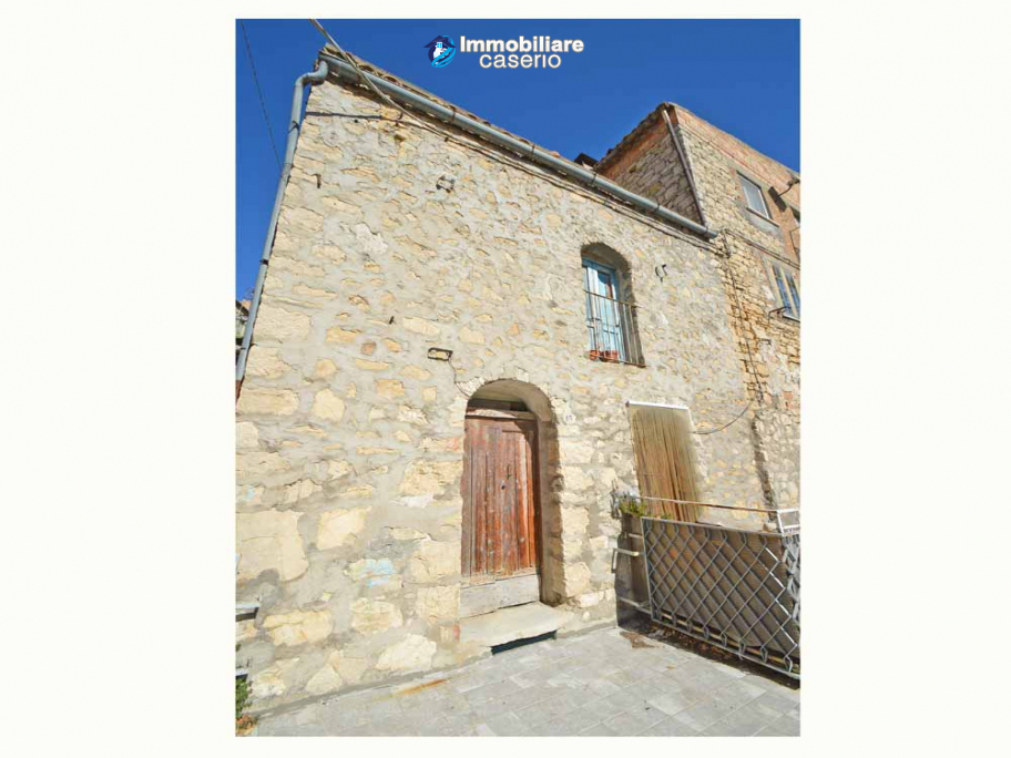Ancient stone house to be completely restored for sale in Liscia, Abruzzo, Italy