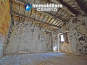 Stone house to renovate for sale in Liscia, Abruzzo country with two grocery stores 14