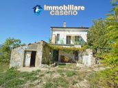 Habitable house for sale in the Molise countryside, a few km from the Adriatic coast 1