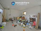 Habitable house for sale in the Molise countryside, a few km from the Adriatic coast 12