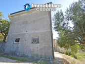 Habitable house for sale in the Molise countryside, a few km from the Adriatic coast 16