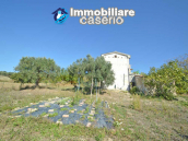 Habitable house for sale in the Molise countryside, a few km from the Adriatic coast 17