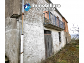 Country house with outbuildings for sale in Guilmi countryside, on the Abruzzo hills 2