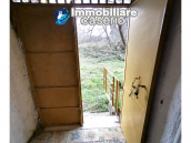 Country house with outbuildings for sale in Guilmi countryside, on the Abruzzo hills 20