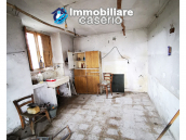Country house with outbuildings for sale in Guilmi countryside, on the Abruzzo hills 4