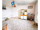 Country house with outbuildings for sale in Guilmi countryside, on the Abruzzo hills 6