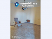 Country house in good condition with land and sea view for sale in Abruzzo, Italy 14