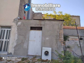 Country house in good condition with land and sea view for sale in Abruzzo, Italy 28