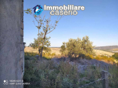 Country house in good condition with land and sea view for sale in Abruzzo, Italy 3