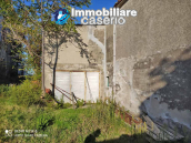 Country house in good condition with land and sea view for sale in Abruzzo, Italy 4