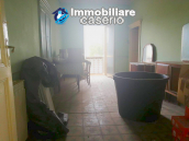 House with garage for sale in Casalbordino, less than 10 min by car from the sea 7