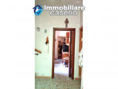 Detached house in a good position with a garden for sale in Loreto Aprutino 13