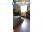 Detached house in a good position with a garden for sale in Loreto Aprutino 18