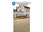 Detached house in a good position with a garden for sale in Loreto Aprutino 2