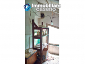 Detached house in a good position with a garden for sale in Loreto Aprutino 23