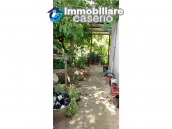 Detached house in a good position with a garden for sale in Loreto Aprutino 25