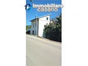 Detached house in a good position with a garden for sale in Loreto Aprutino 7