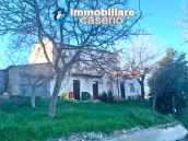 Detached house in good condition with garage and land for sale in Atessa, Abruzzo 3