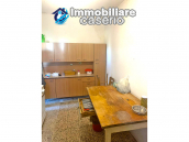 Detached house in good condition with garage and land for sale in Atessa, Abruzzo 8