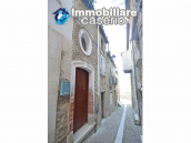 Ancient and spacious stone house with cellar for sale near the castle, Molise  1