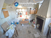 Ancient and spacious stone house with cellar for sale near the castle, Molise  17