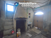 Ancient and spacious stone house with cellar for sale near the castle, Molise  18