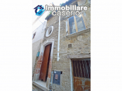 Ancient and spacious stone house with cellar for sale near the castle, Molise  3