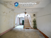 Large historic building with two terraces for sale in Molise 5