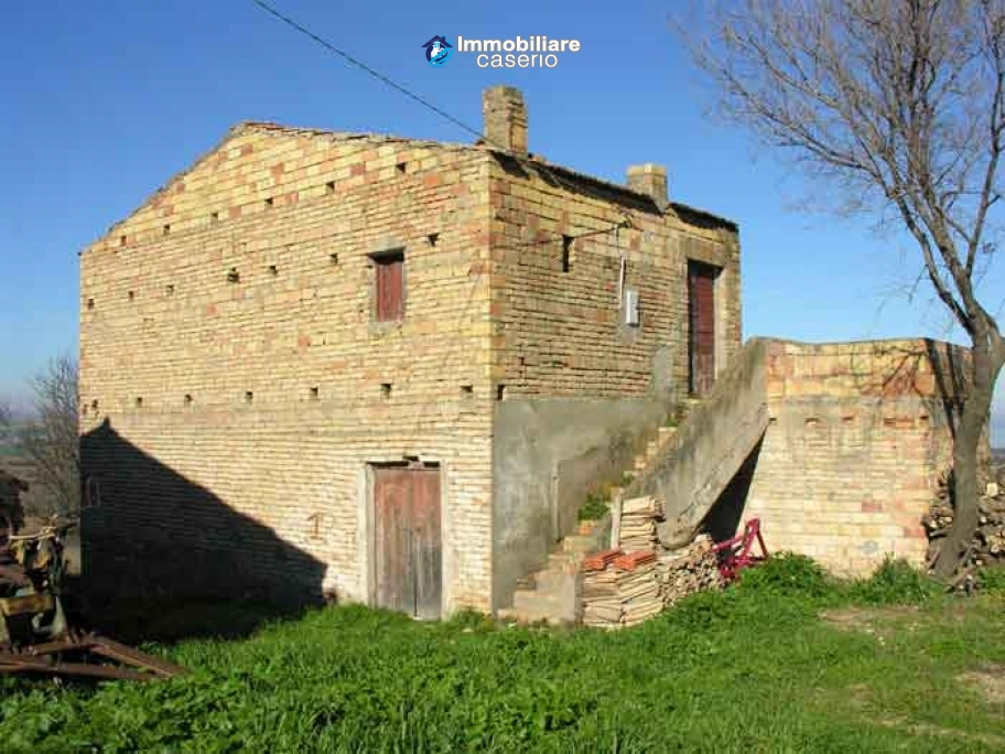 Agricultural land and stone house for sale in Petacciato, Campobasso, Molise